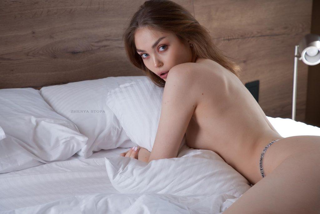 Ekaterina-Kliger-Nude-12-Nudo-Star-com-1024x683