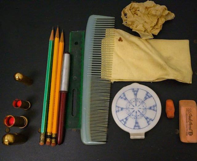1950s-time-capsule-purse-22