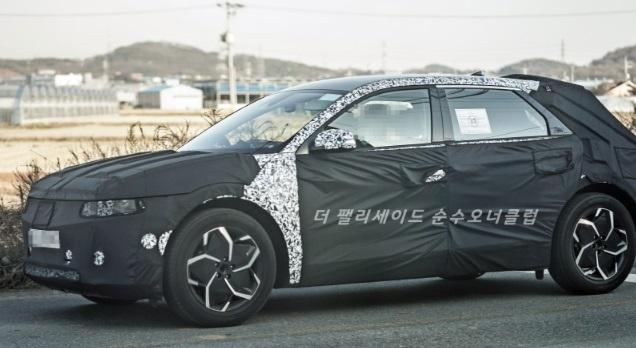 2021 Hyundai EV/45 52