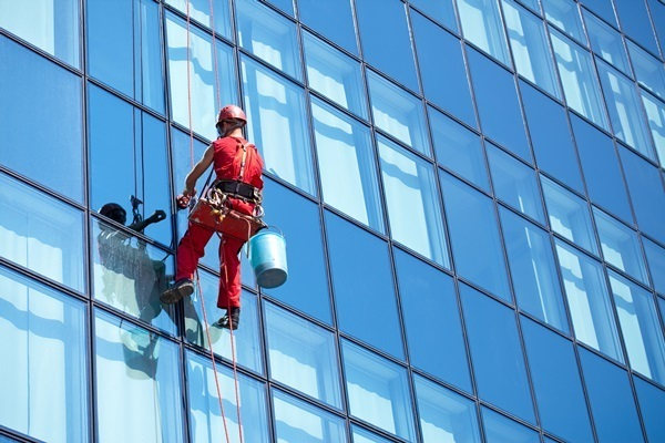 hire-Window-cleaning-service-provider.jp