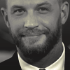 https://i.ibb.co/N2jWn45/anglo-2000x1125-tomhardy1-e1537986028983-1600x720.png