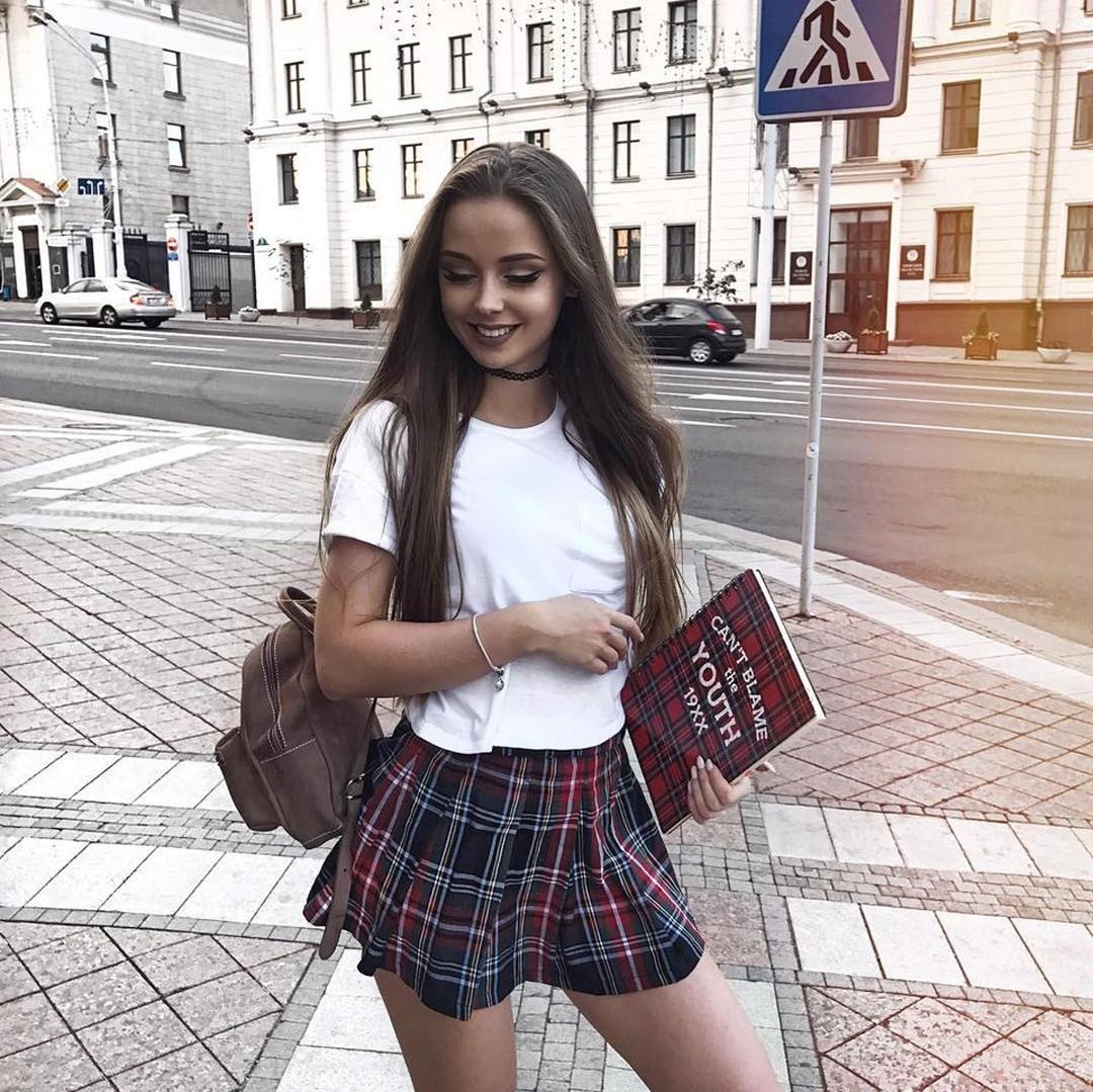 Zhenya-Makova-Wallpapers-Insta-Fit-Bio-4