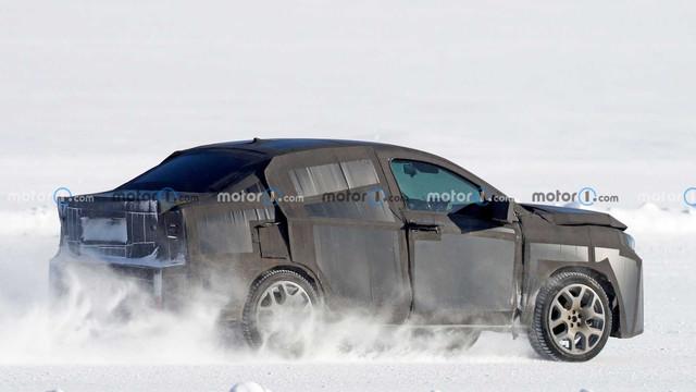 2022 - [Fiat] Sedan Crossover  EDFEE218-2-C9-A-453-F-AD77-E61364-ECEBE0
