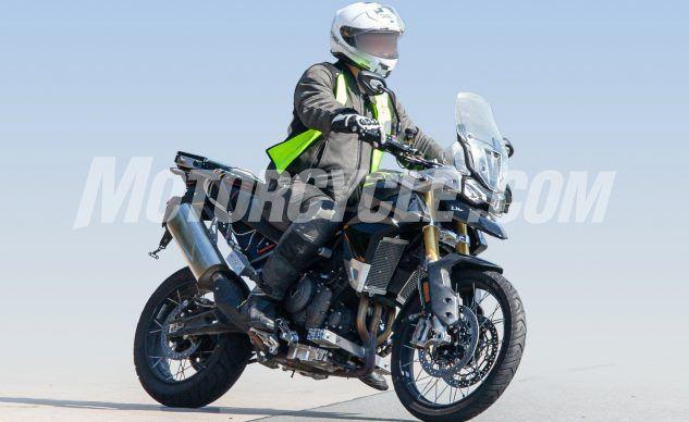 080619-Triumph-Tiger-1000-Spy-Shots-Triumph-Tiger-1000-003-633x388