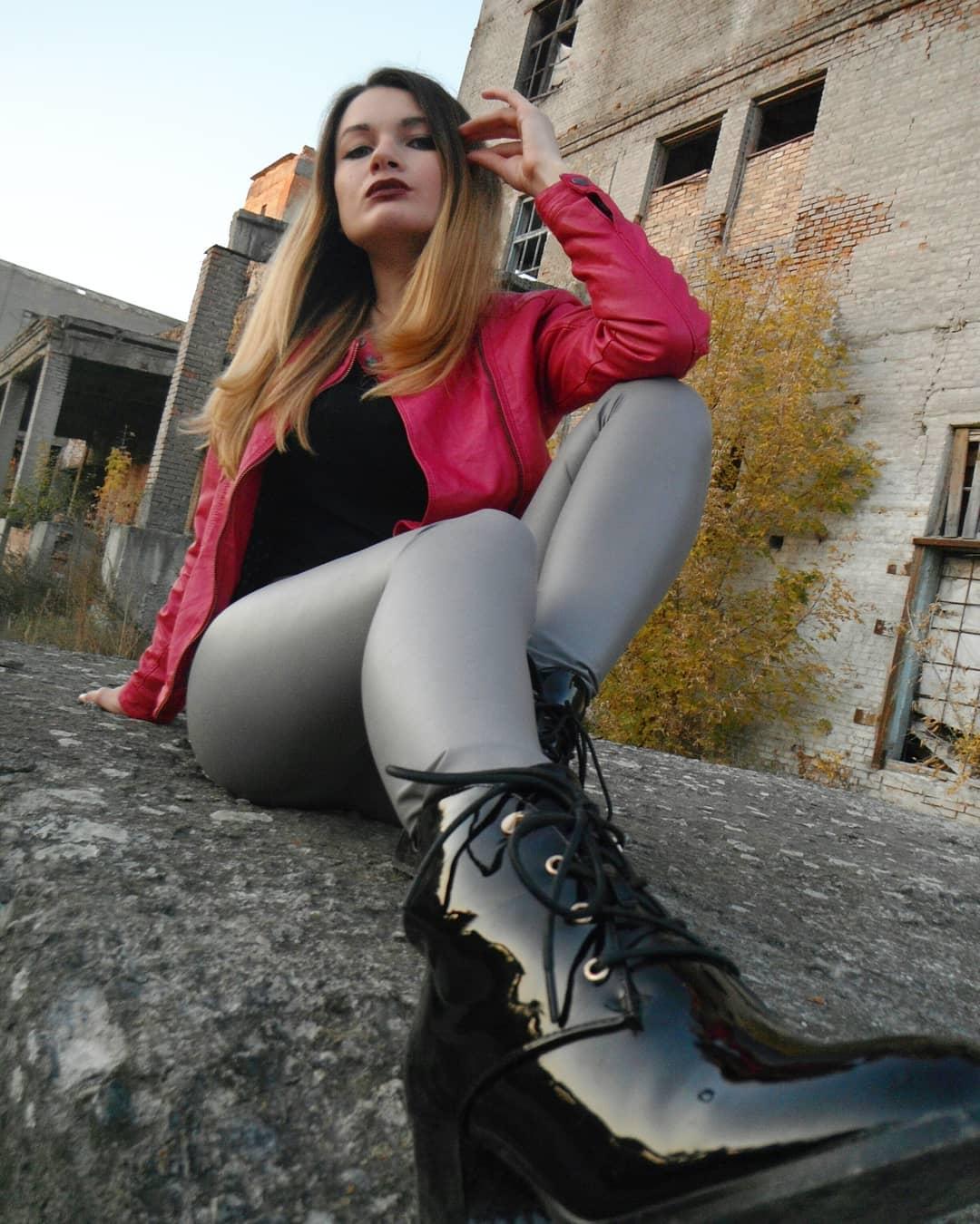 Olga-Madych-Wallpapers-Insta-Fit-Bio-7