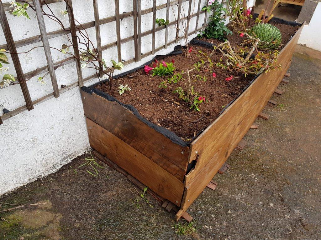 Jardinera-madera-celos-as-4.jpg