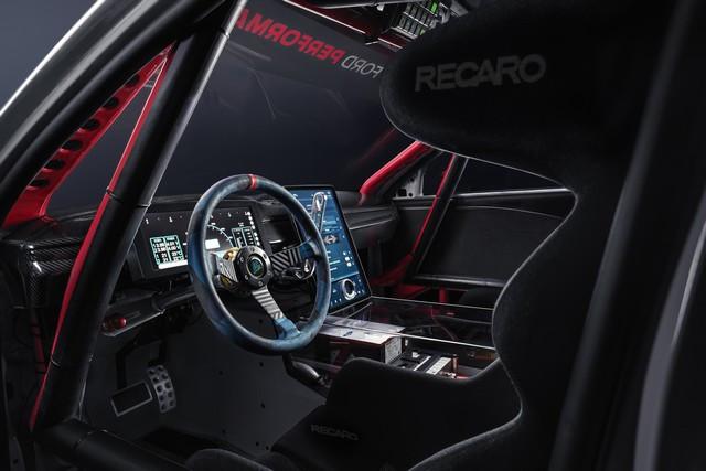 Ford Performance et RTR dévoilent un prototype 100% électrique, la Mustang Mach-E 1400, pour un nouvel art du drift Mach-E-1400-Reveal-Photos-7