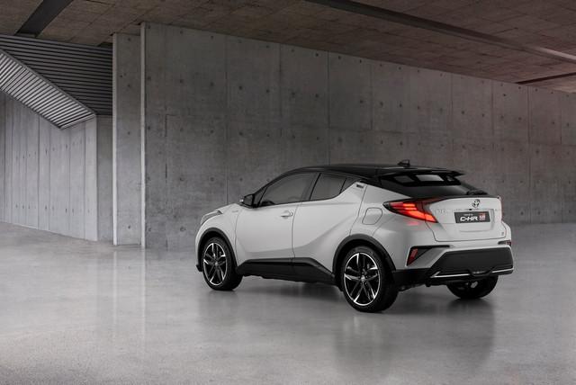 2016 - [Toyota] C-HR - Page 11 9-E6-D67-FE-F56-E-4-F7-F-BDE4-9-C812-AB25463