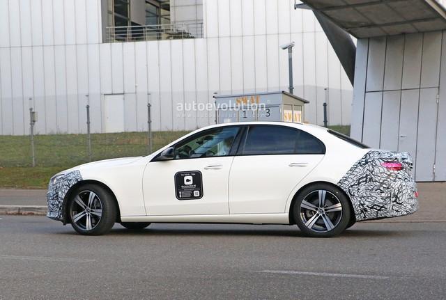 2020 - [Mercedes-Benz] Classe C [W206] - Page 8 4-A494-F92-06-FA-4-CFA-BB6-E-F30-DCBC956-B7