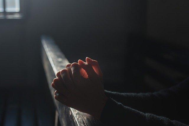 prayer-2544994-640
