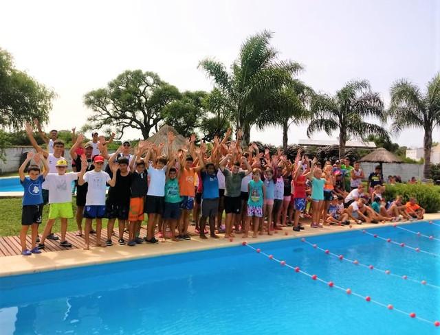 Locales: Exitoso 1º encuentro de natación en el Club Juventud