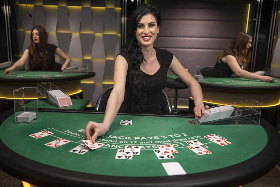 Why Should The Players Go With The Live Dealer Games?