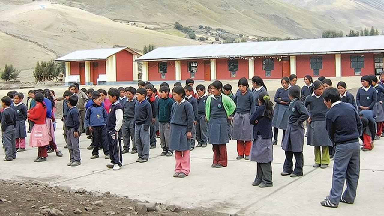 Disponen horario de invierno escolar para prevenir IRA en Puno