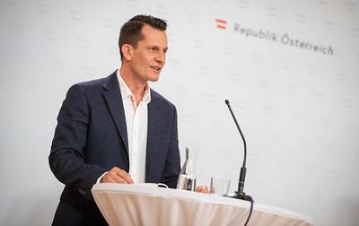 وزير,نمساوي,يرفض,إلغاء,المدخول,الإضافي,للعاطلين