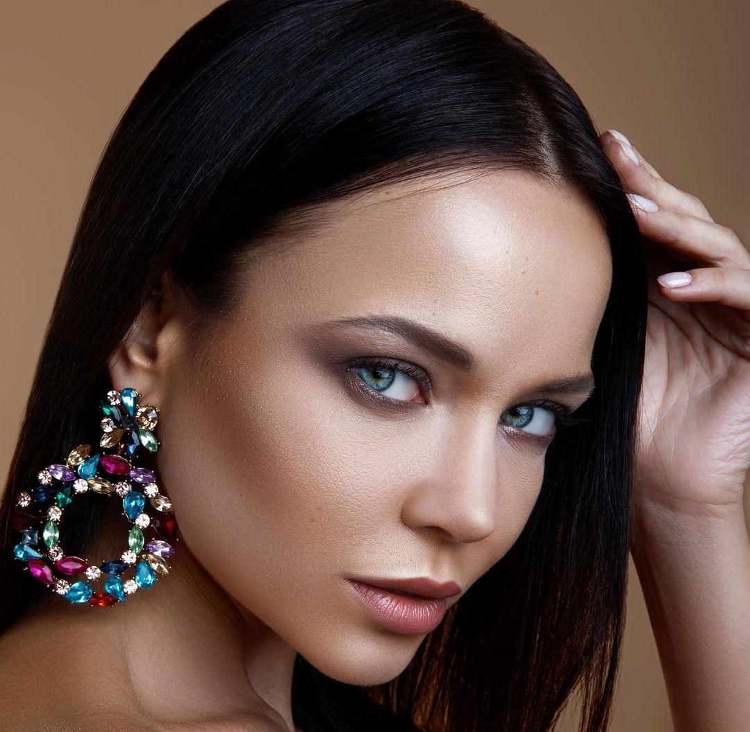 Angelina-Petrova-Wallpapers-Insta-Fit-Bio-14