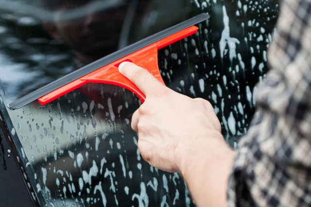 4 Ways To Clean Car window So It Is Not Frosted