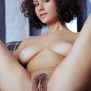 pammie-lee-shows-off-her-perfect-big-melons-and-hairy-yummy-vag-09