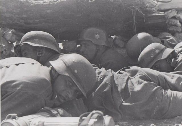 TOP-Foto-Ostfront-1941-Krim-Deutsche-Landser-unter