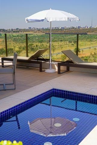 Detalhe-da-piscina-Hibiscos-C-YP-1