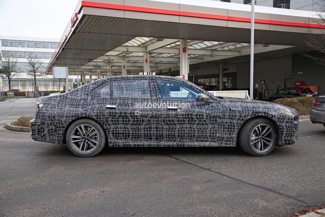 2022 - [BMW] série 7  - Page 5 5-DC40243-C7-FB-4-EAA-802-D-EE81-FAF85-E3-A