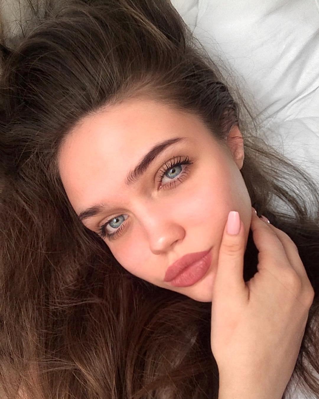 Eliza-Kayudina-Wallpapers-Insta-Fit-Bio-12