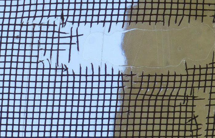 Быстрый способ устранить дыру в москитной сетке