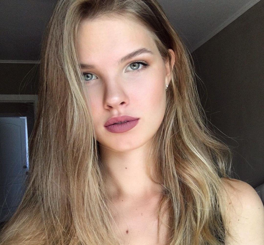 Mariia-Arsentieva-Wallpapers-Insta-Fit-Bio-21