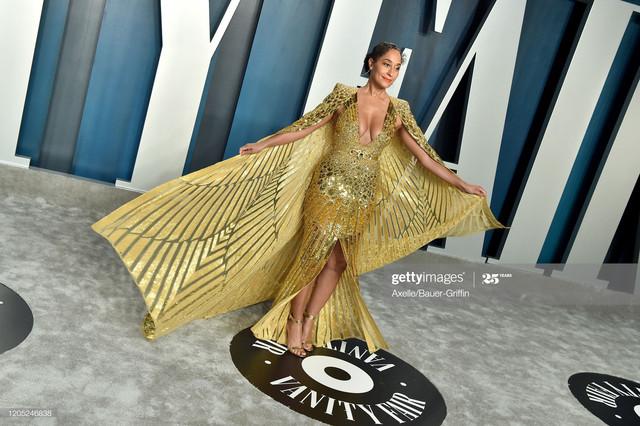BEVERLY-HILLS-CALIFORNIA-FEBRUARY-09-Tracee-Ellis-Ross-attends-the-2020-Vanity-Fair-Oscar-Party-host.jpg