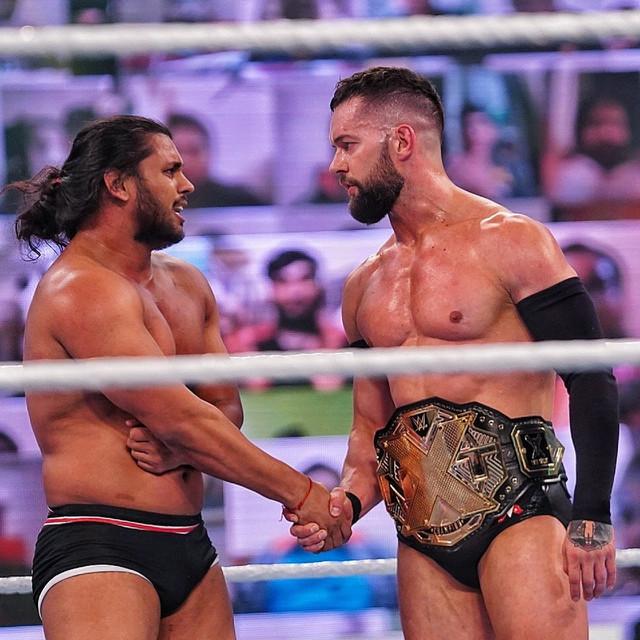 Finn Bálor derroto a Guru Raaj WWE India 2021