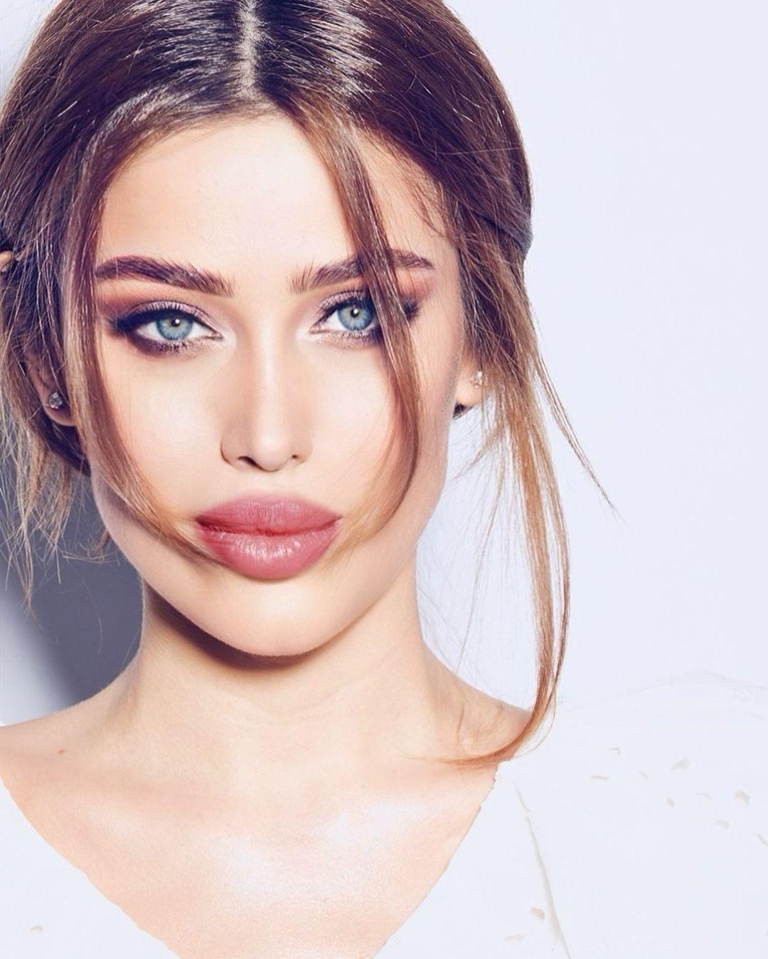 Miranda-Sheliya-Wallpapers-Insta-Fit-Bio-14