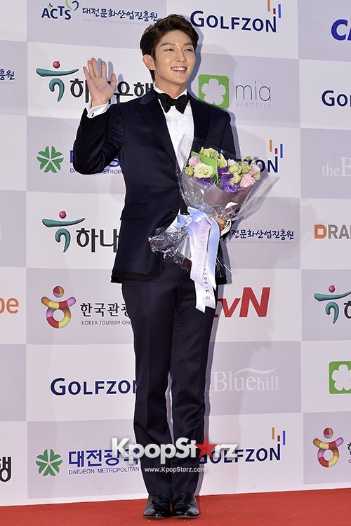 2013-11-18-Apan-Star-Awards-4