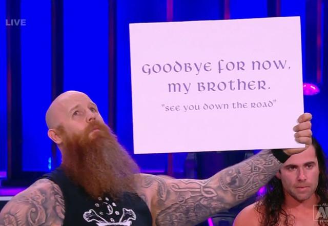 Erick Redbeard Erick Rowan en AEW se despide de Luke Harper Brodie Lee