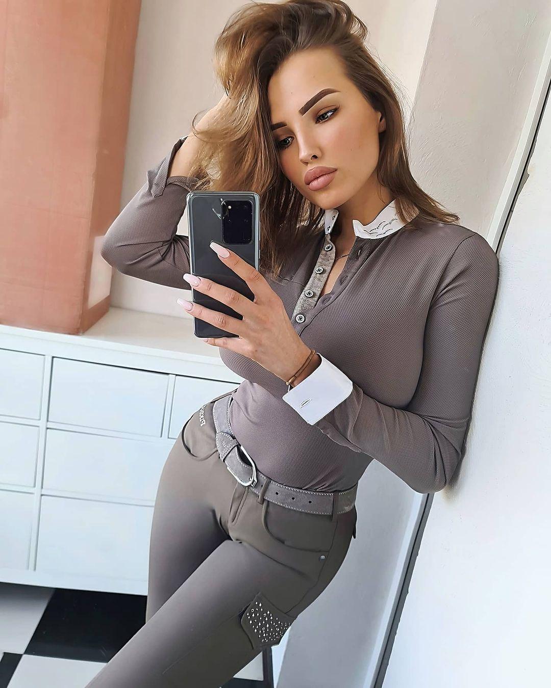 Elizaveta-Berejnaya-Wallpapers-Insta-Fit-Bio-Miss-elizabeth-sol-Wallpapers-Insta-Fit-Bio-2