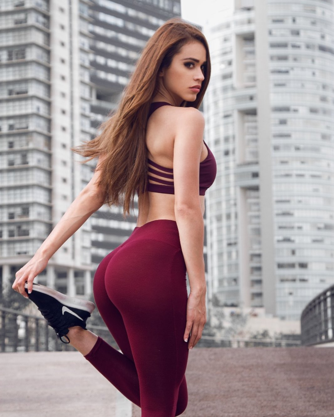 Yanet-Garcia-Wallpapers-Insta-Fit-Bio-2