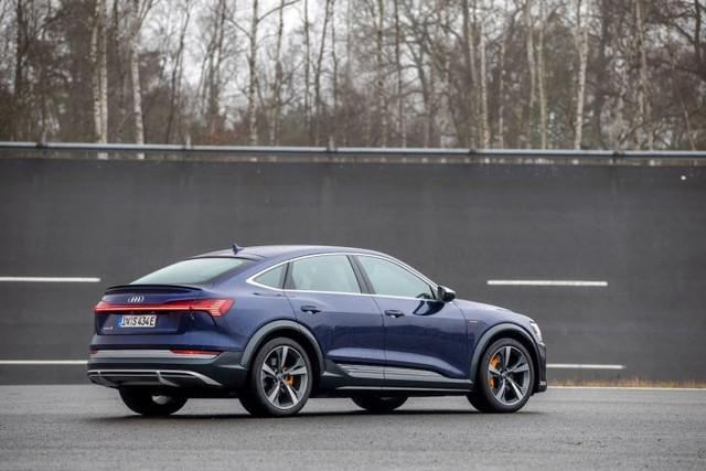 2020 - [Audi] E-Tron Sportback - Page 4 EAE99343-13-EB-40-C5-8850-8-E1-EC1-ED341-B