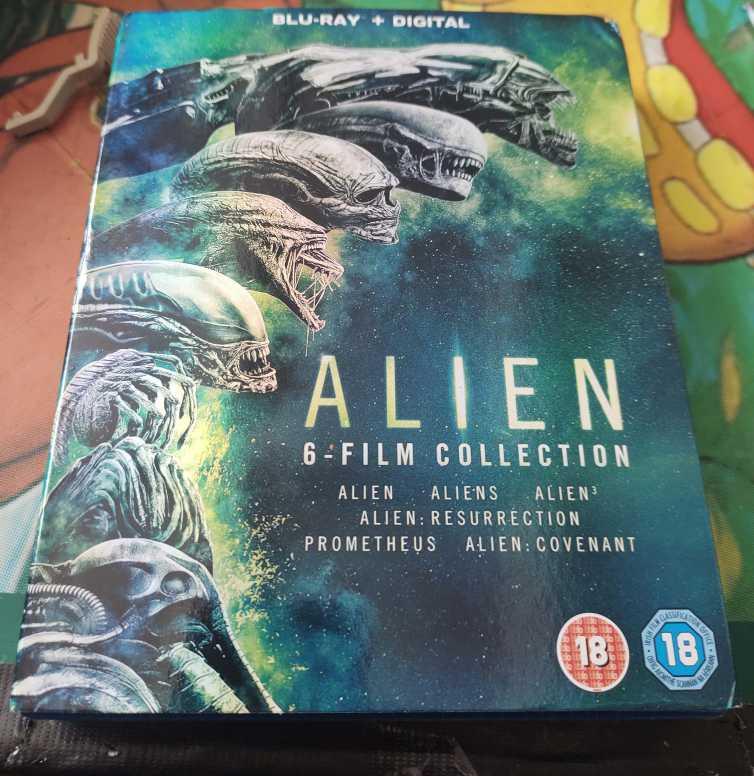 [Imagen: alien1.jpg]