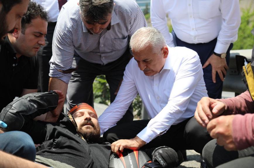 Binali Yıldırım motosiklet kazası ilk yardım müdahalesi