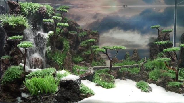 Pemuda Ini Sulap Barang Bekas Jadi Miniatur Air Terjun Akuarium