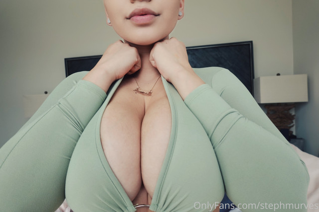 stephmurves-I-love-you-guys-with-all-my-boobies-14717077