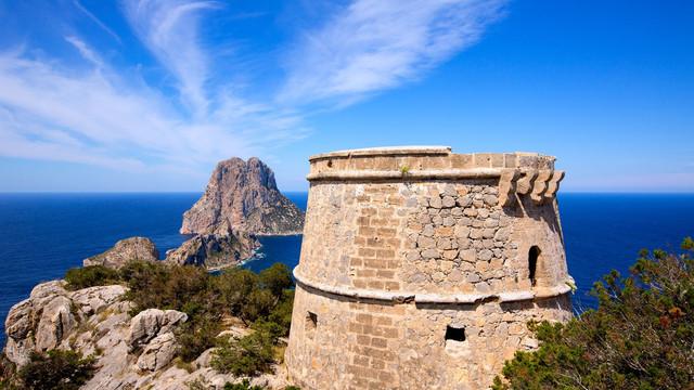 torre-defensa-formentera-travelmarathon-es