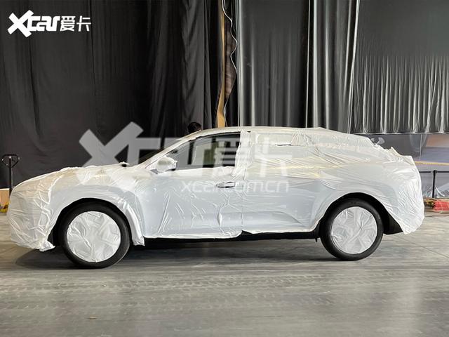 2021 - [Citroën] C5X  [E43] F2-F2530-C-3-B8-E-4-E98-9-C6-D-C4141-DC94828