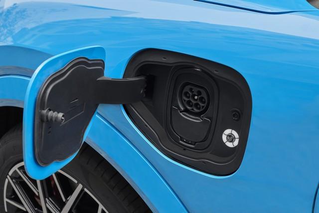 La Mustang Mach-E GT 100% électrique à l'assaut de l'Europe : tout simplement la meilleure accélération de sa catégorie  2020-FORD-MACH-E-GT-05