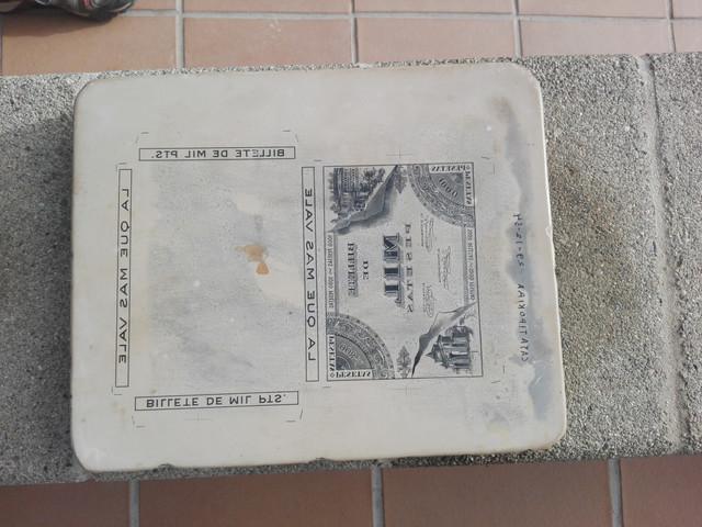 Piedra litográfica con diseño de billete publicitario IMG-20210221-100247