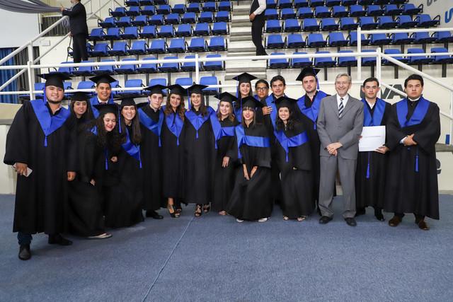 Graduacio-n-Cuatrimestral-97