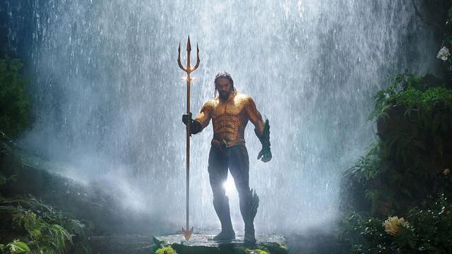 Aquaman-Hero-Shot