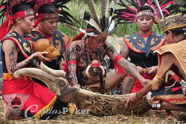 5 Suku Yang Ditakuti di Indonesia Karena Ilmu Hitamnya