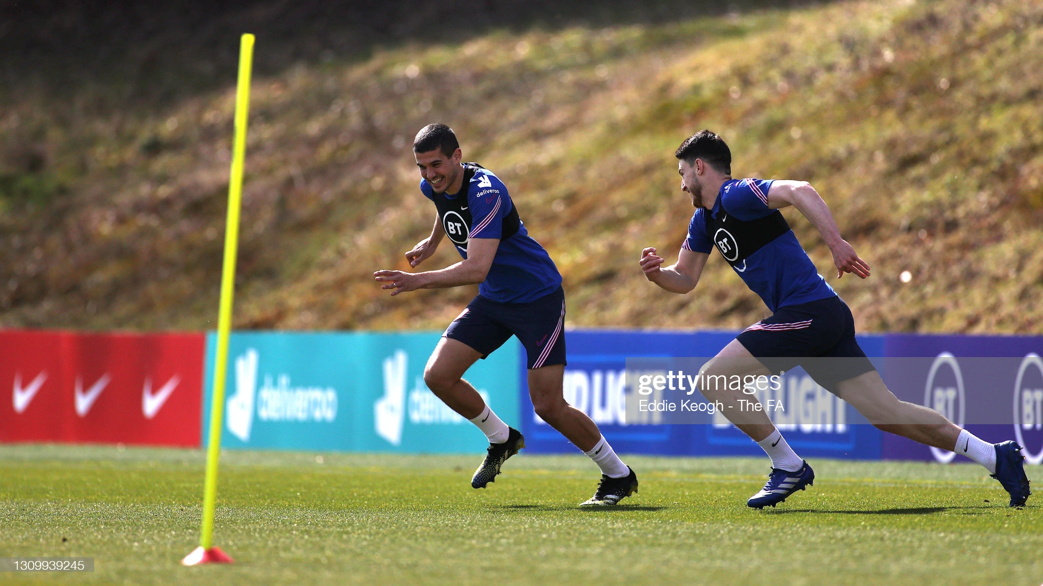[Image: BAGSHOT-ENGLAND-MARCH-30-Conor-Coady-and...ession.jpg]