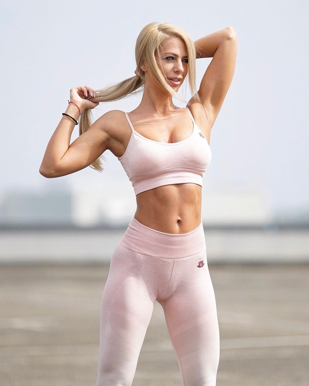 Yanita-Yancheva-Wallpapers-Insta-Fit-Bio-9