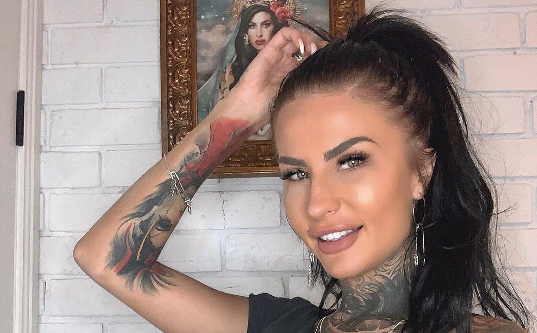 Tattooed-Katia-Wallpapers-Insta-Fit-Bio-4