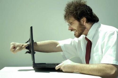 7 Perilaku Buruk yang Seharusnya Tidak Dilakukan di Game Online